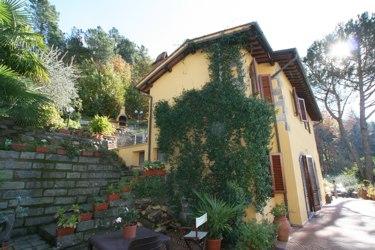 Farmhouse Pescia